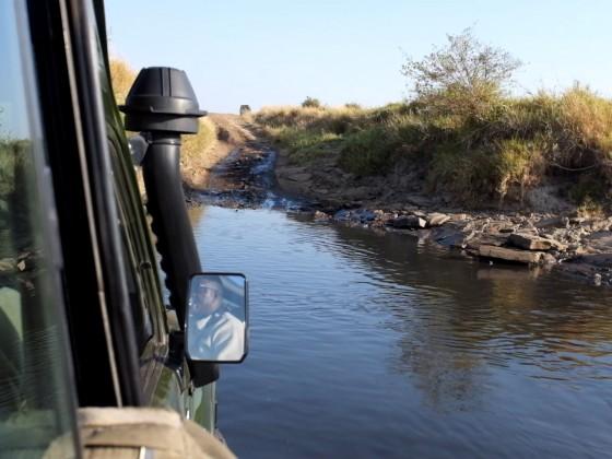 Masai Mara - Wasserdurchfahrt