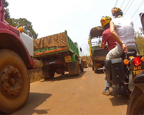 Mit Enfield und Honda durch Maharashtra