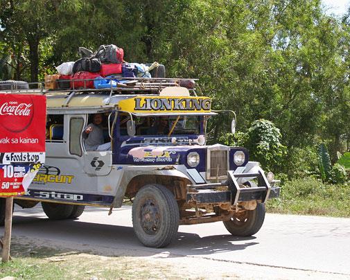 Im Jeepney nach Port Barton